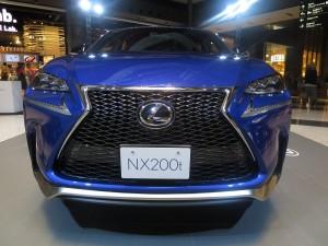 NX 200T Fスポーツ